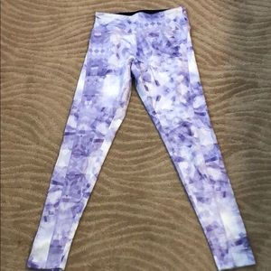 Work out leggings lavender and cream in color